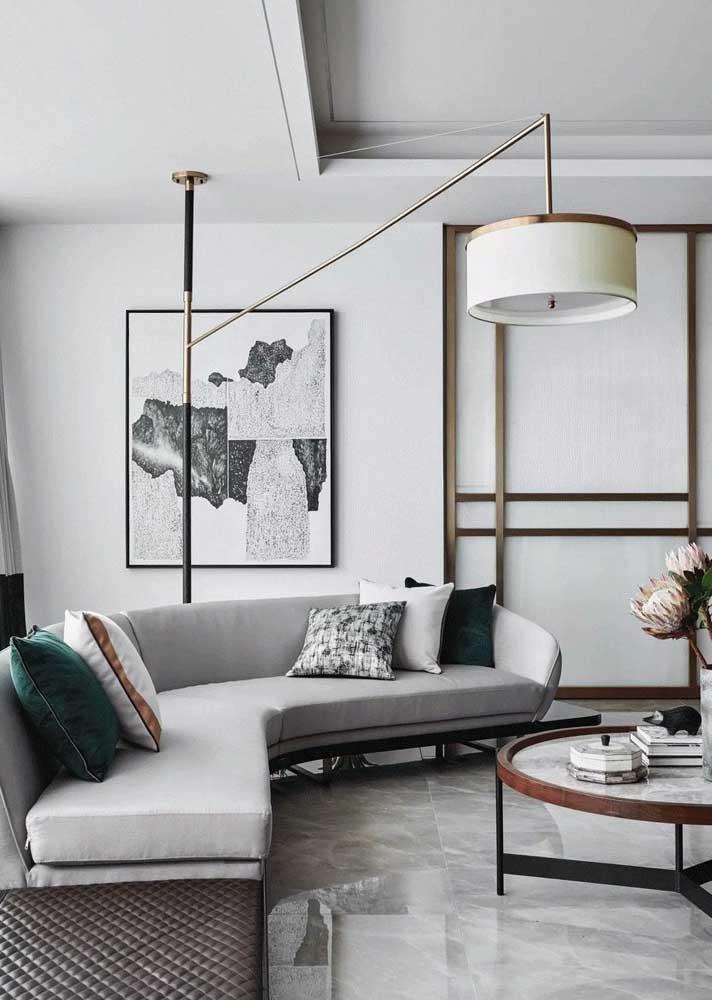 Sala decorada com sofá de canto