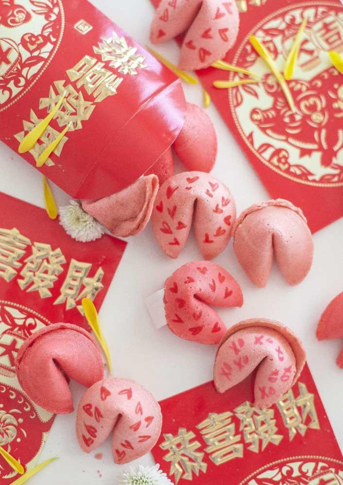 Biscoitinhos da sorte para o ano novo chinês começar cheio de positividade