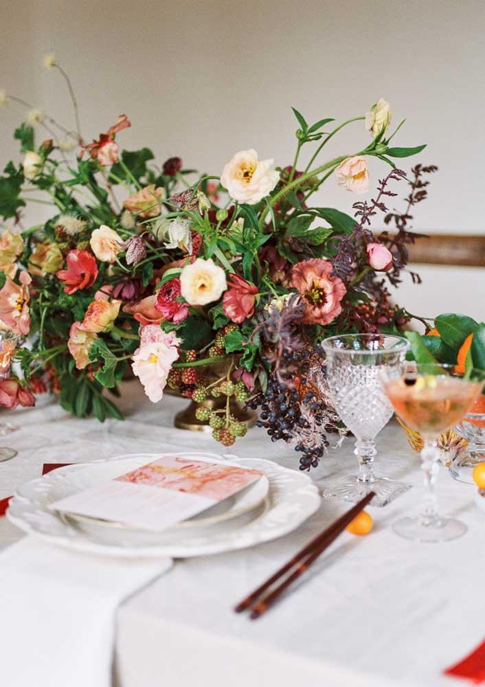 Flores para decorar a mesa posta e também trazer boas energias para o próximo ano chinês