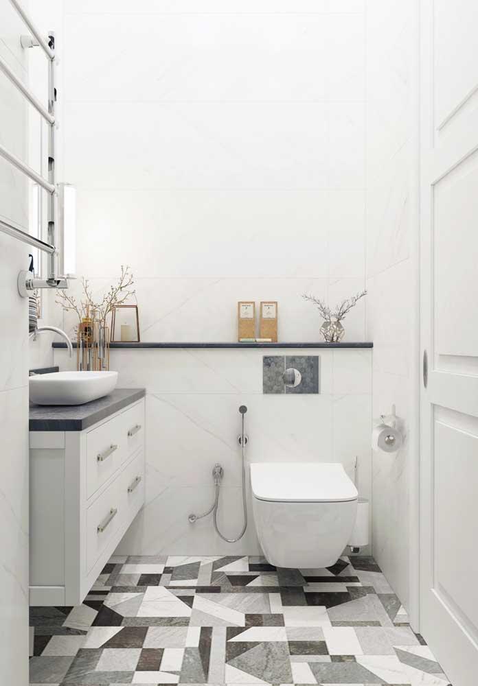 Gabinete de banheiro simples para um espaço pequeno