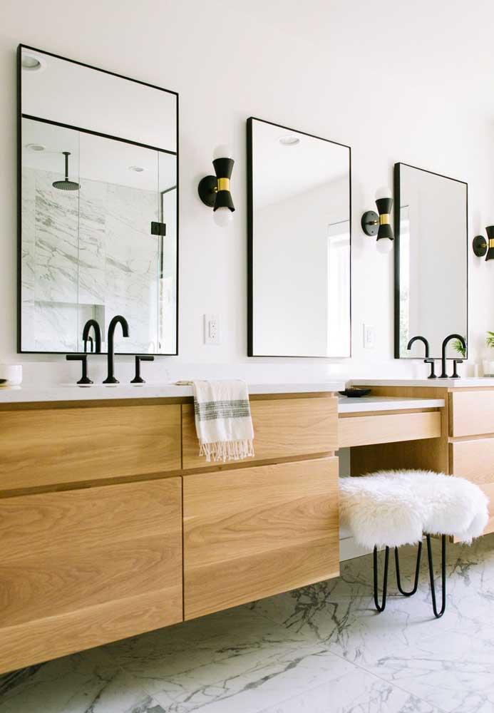 Armário de madeira para o banheiro clean e minimalista