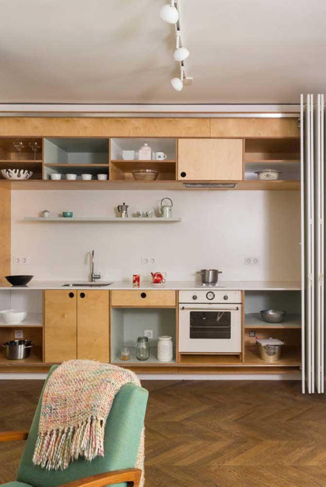 Nichos com portas para favorecer a organização e a limpeza da cozinha