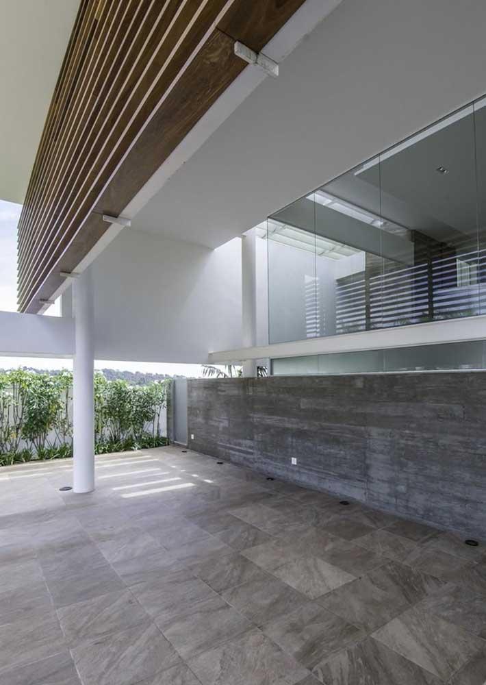 Piso de pedra para garagem moderna