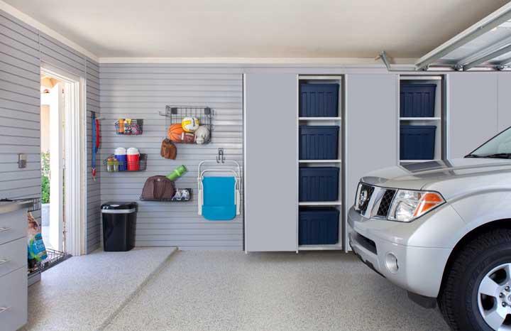 Piso fulget cinza claro para iluminar a garagem pequena