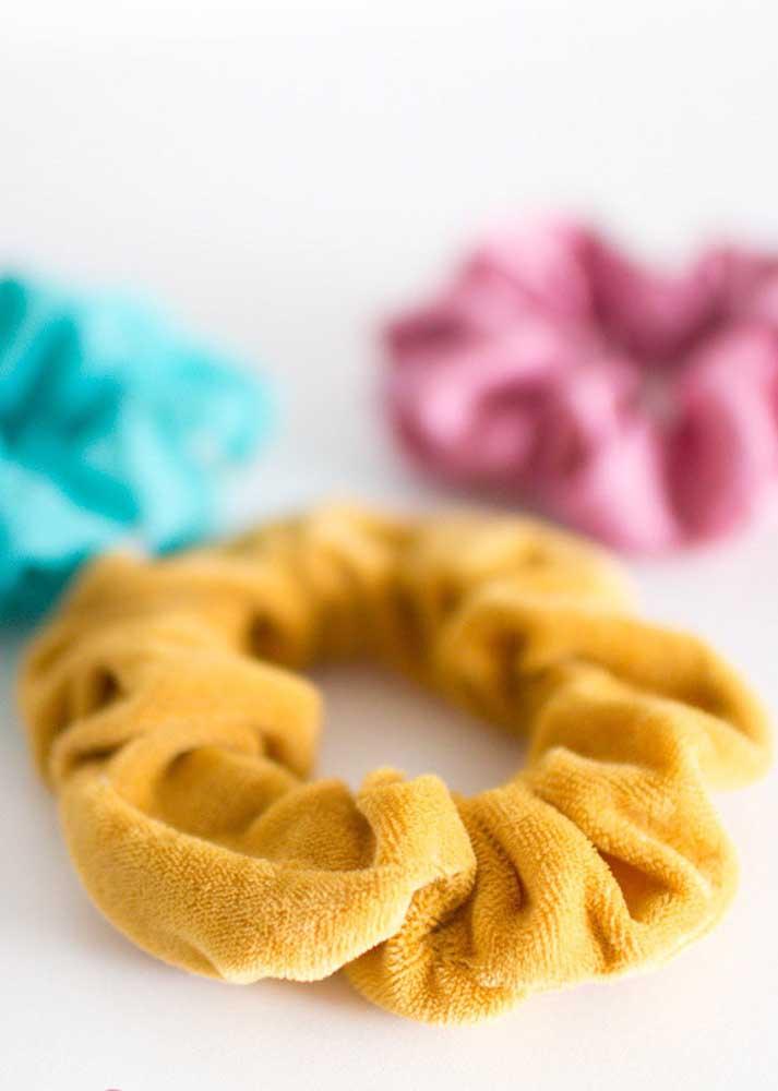 Lacinhos de cabelo: ideia simples e fácil de artesanato com tecido