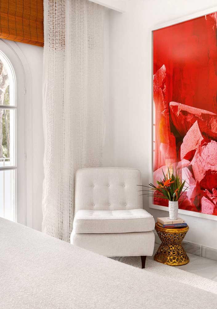 E o que acha de sobrepor a persiana de bambu com uma cortina branca de renda? Um luxo!