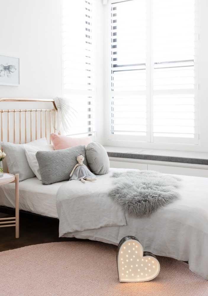Persiana branca para o quarto infantil: solução simples, prática e moderna