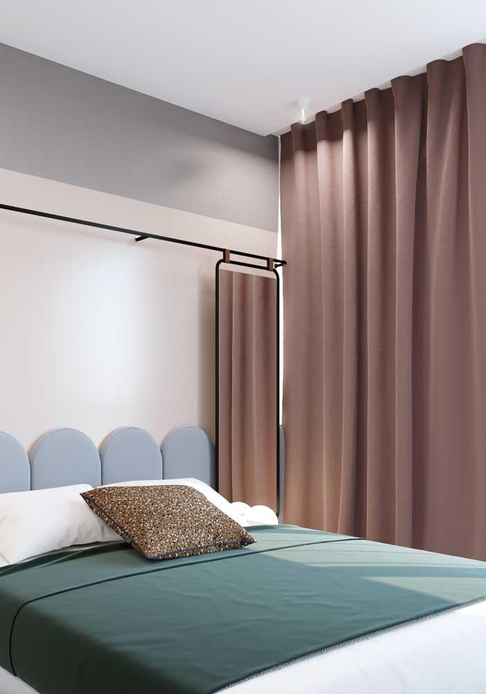 Mas se quiser, a cortina pode ser o ponto de cor e destaque do quarto