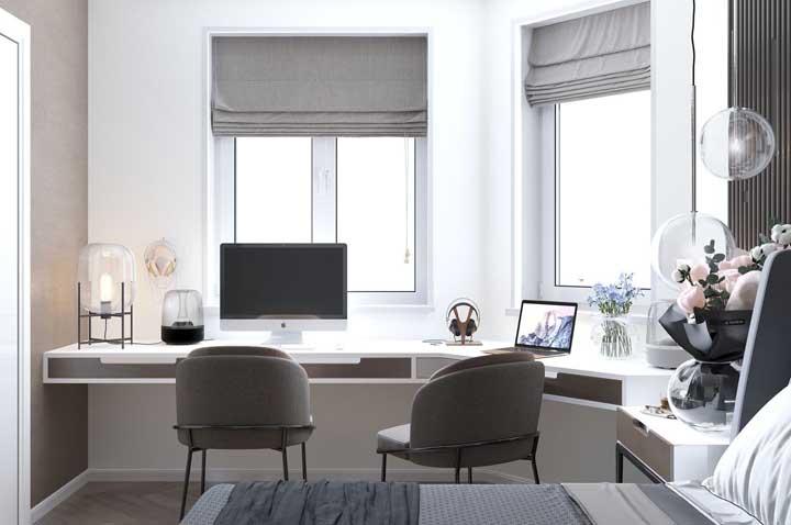 Persiana romana cinza para quem deseja um quarto sóbrio, neutro e elegante