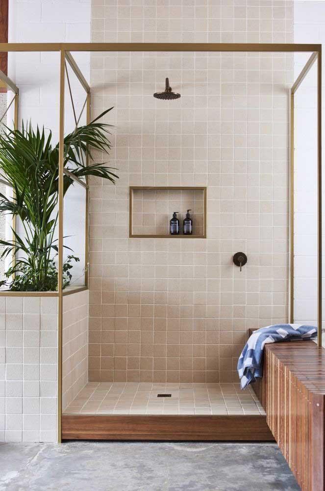 Que tal uma planta ornamental no banheiro? A Bambu Areca é uma boa opção