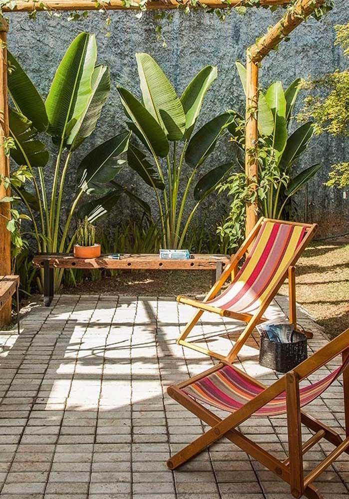 Aquele espaço relaxante em casa finalizado com piso intertravado