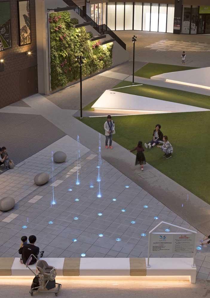 E o que acha de complementar o projeto do piso intertravado com fontes de água e luz?