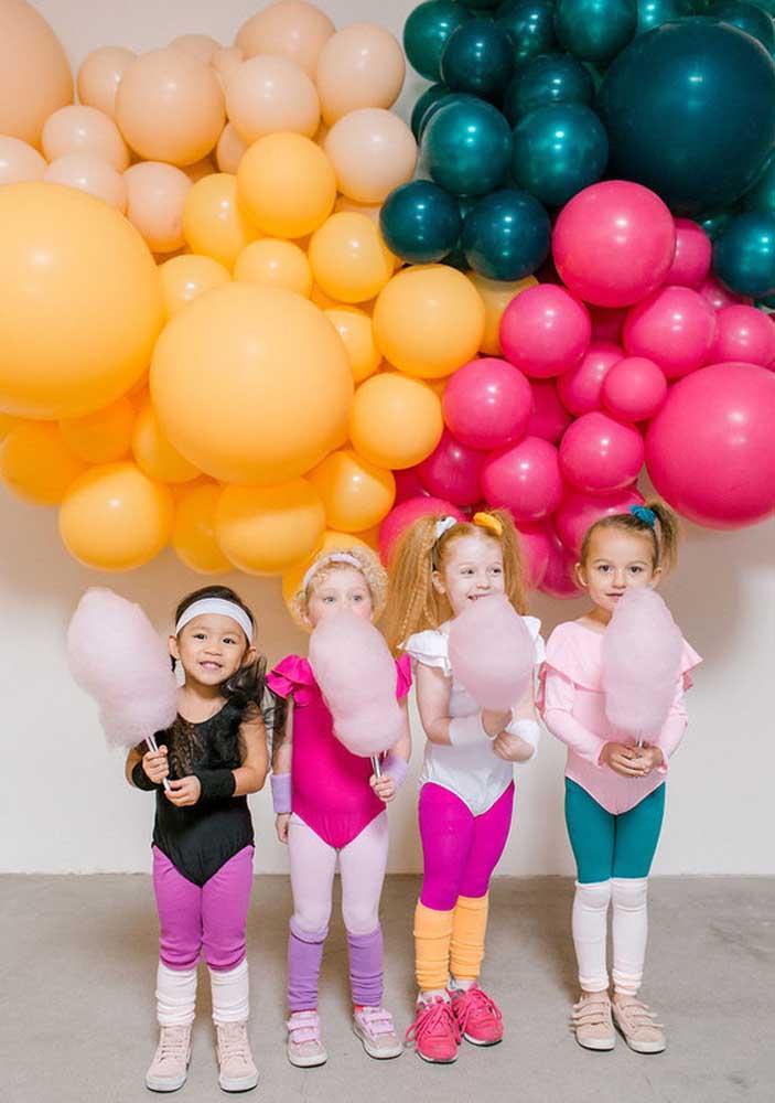 Tema de festa infantil anos 80: as polainas são um marco da época