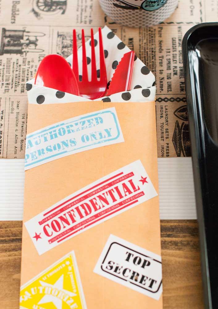 Envelopes confidenciais para os talheres