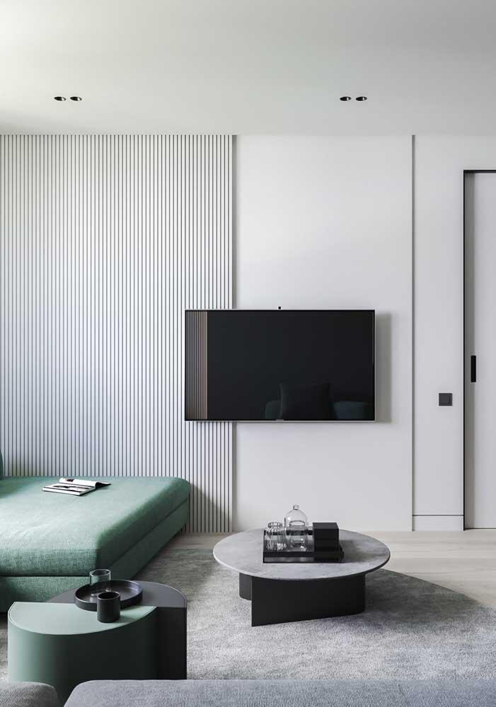 Painel ripado de madeira branca para quem curte um visual moderno e minimalista