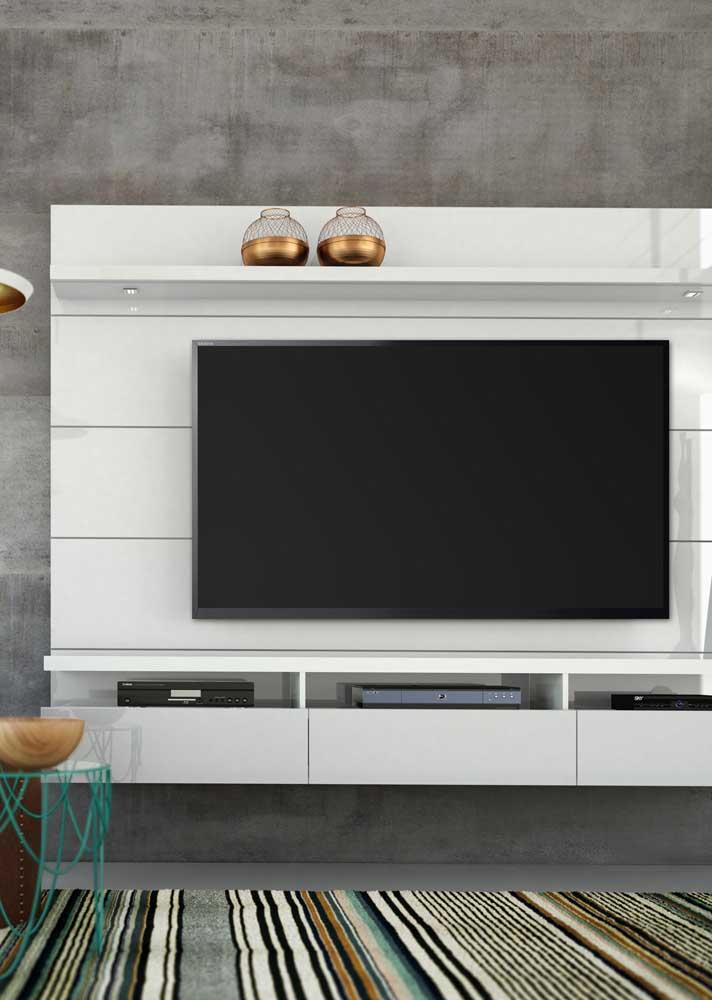 Painel para sala branco simples perfeito para qualquer decoração