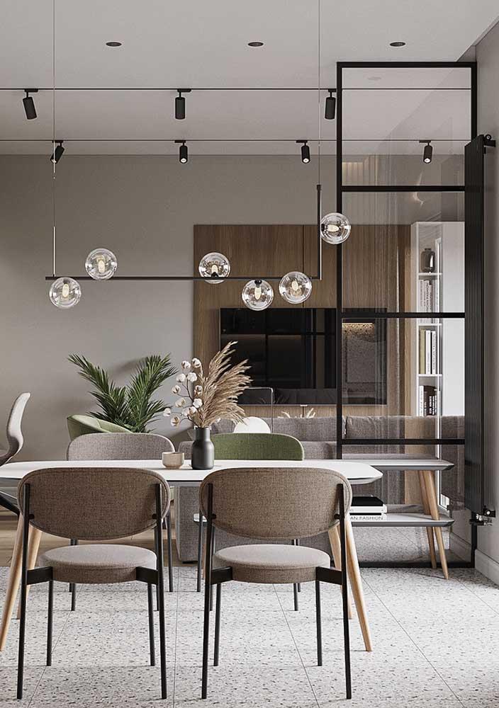 Painel para sala amadeirado em harmonia com todo projeto integrado