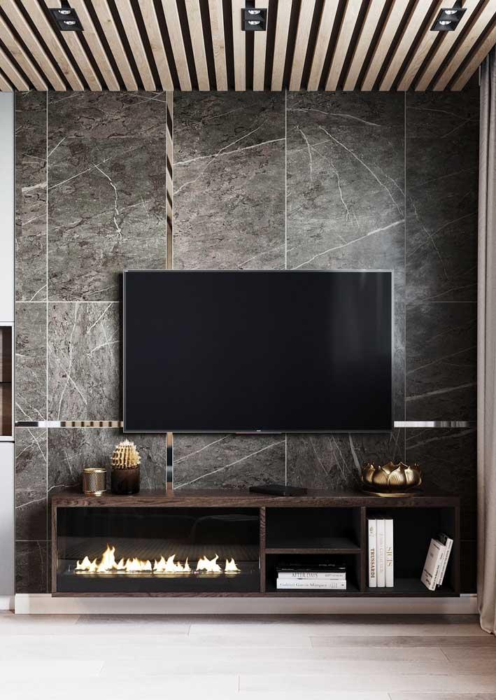 Painel para sala de mármore com rack de madeira