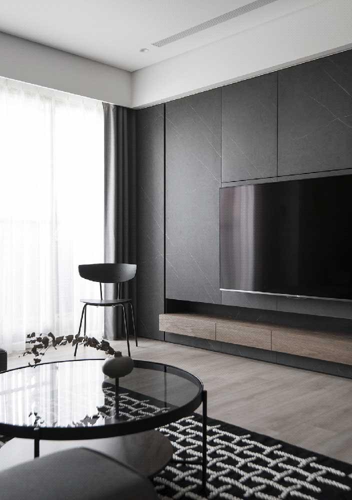 Painel preto sob medida para a sala de estar moderna