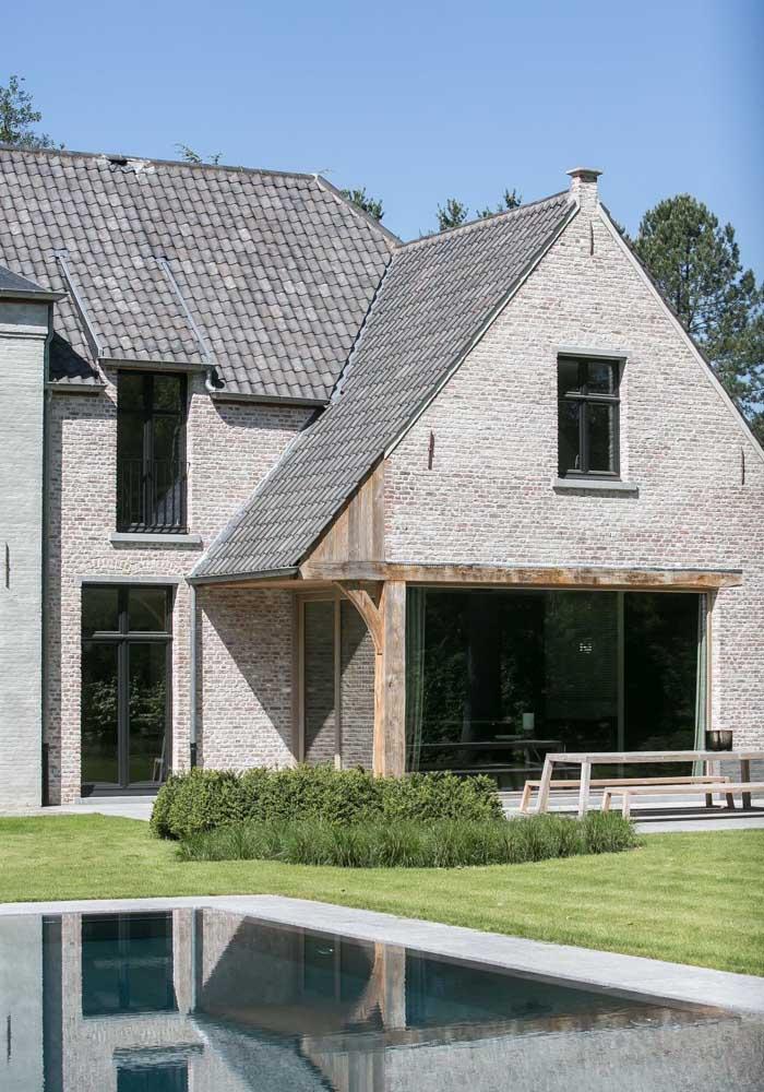 Telhado com inclinação acentuada: perfeita para as telhas de concreto