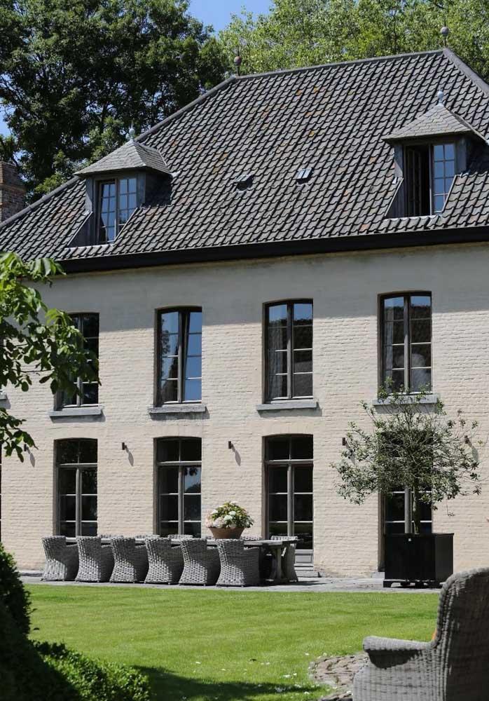 Telhado de concreto para uma arquitetura clássica