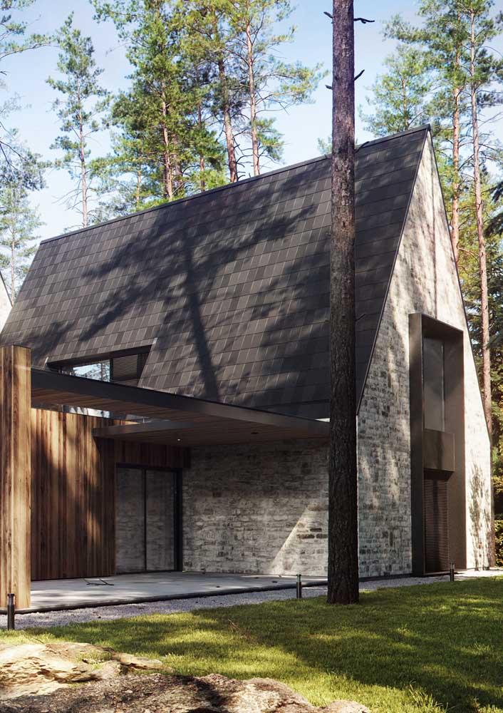 A telha Shingle é perfeita para telhados com grande inclinação