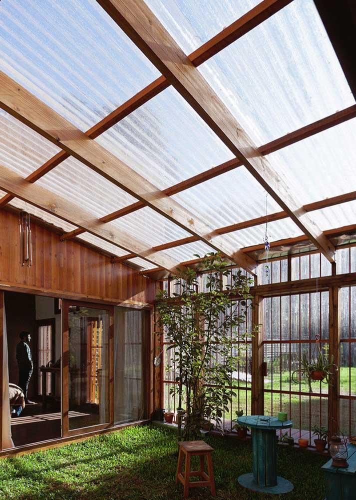 As áreas externas são as preferidas para as telhas translúcidas