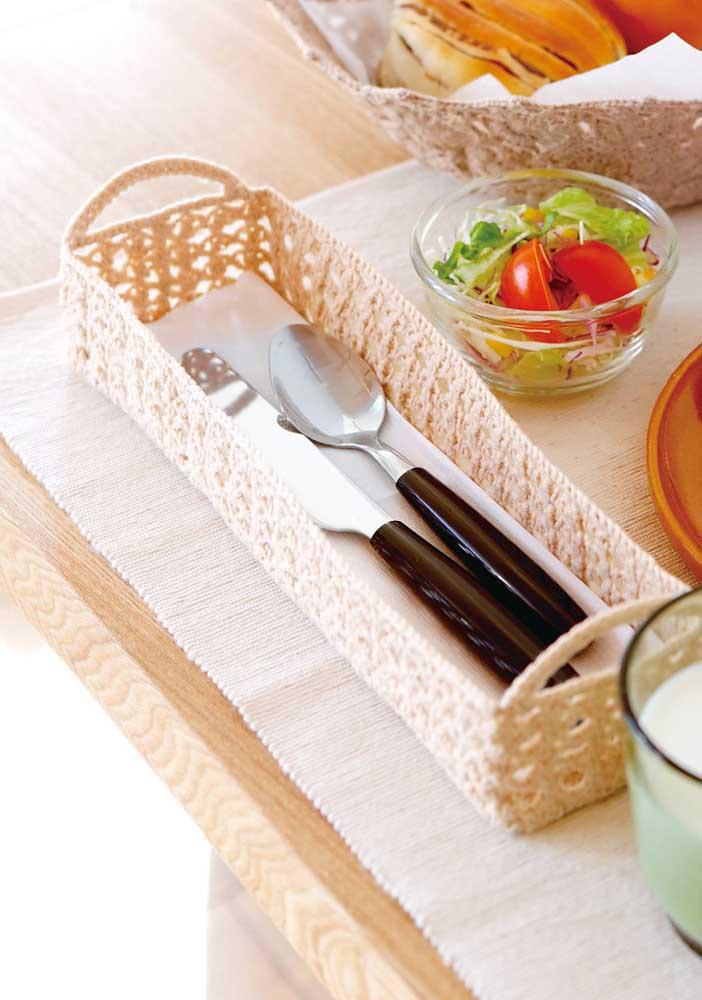 Porta talheres de crochê: um mimo para a mesa posta
