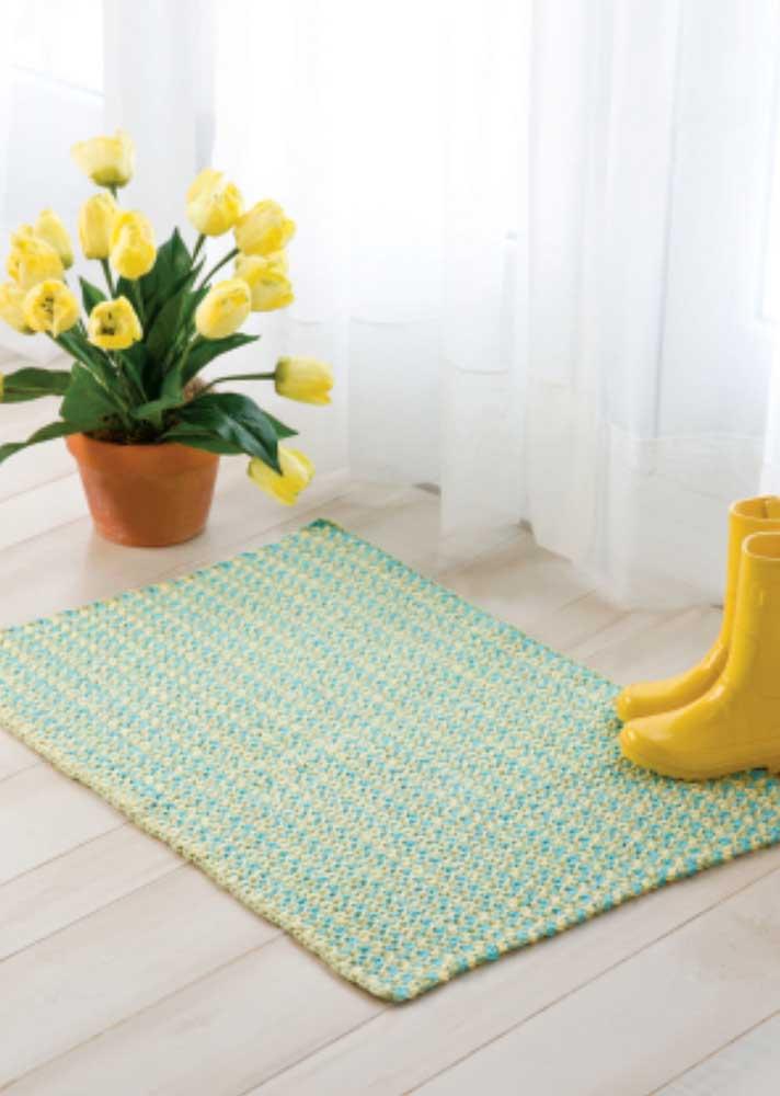 E que tal um tapete de crochê charmoso na entrada?