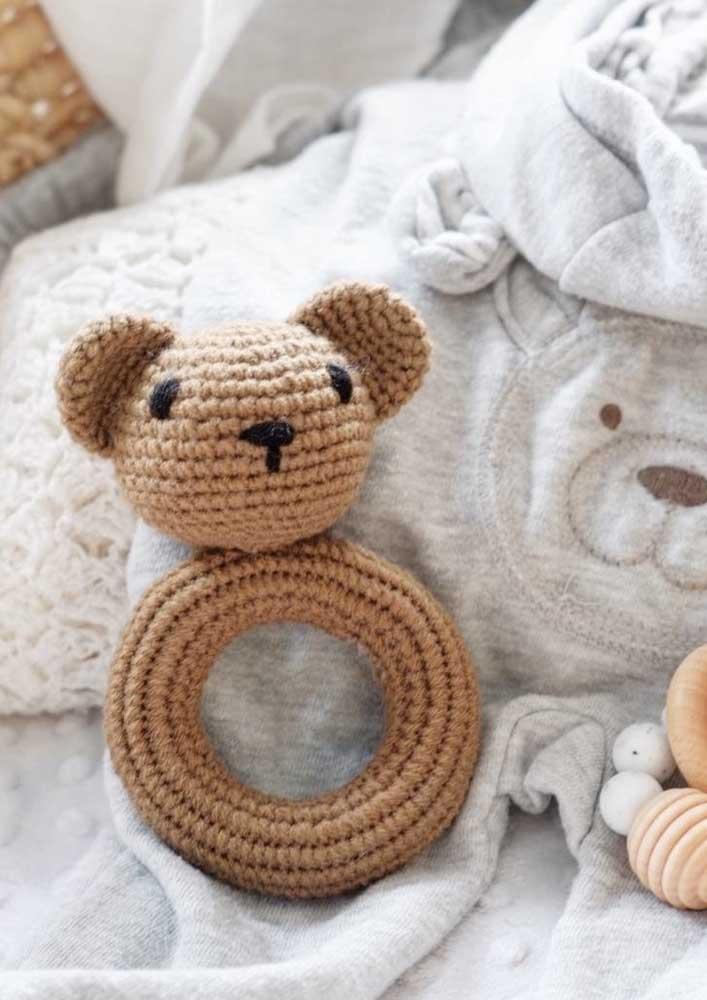Até brinquedinho infantil você pode fazer em crochê