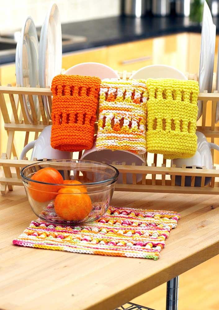 Dá até para secar a louça com paninhos de crochê, sabia? Mais uma ideia pra sua lista