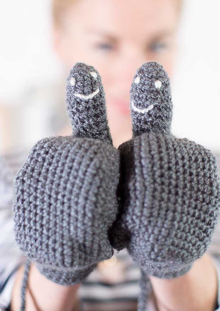 E para não queimar as mãos use luvas de crochê