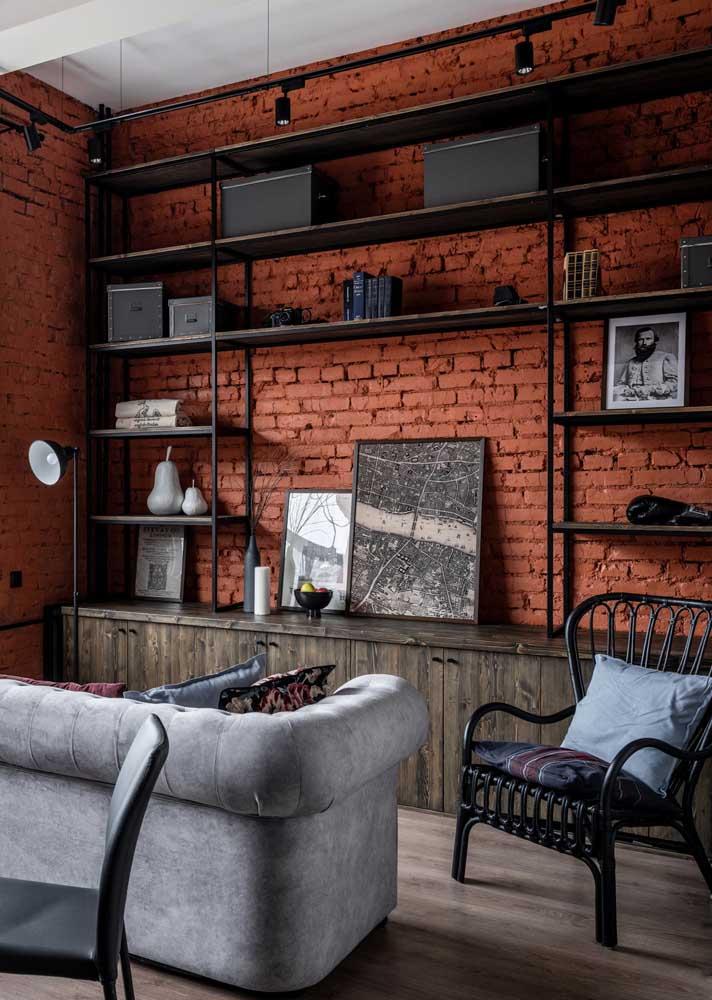 Parede de tijolinhos para expressar o estilo industrial da sala