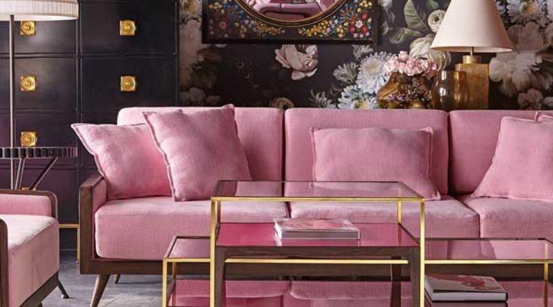 Sofá rosa: ideias para usar o item na decoração e fotos incríveis