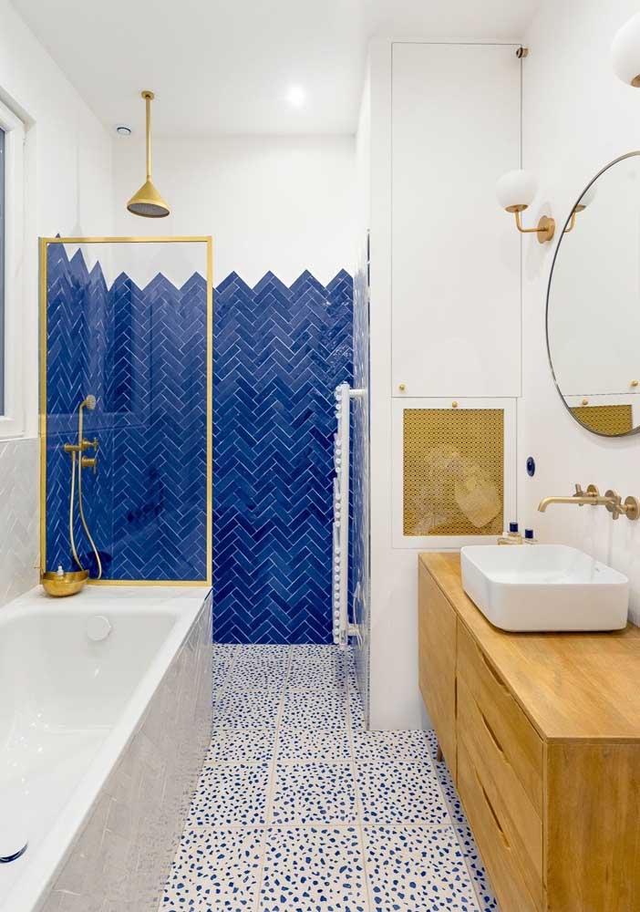 Aplique um revestimento diferenciado no box e garanta um banheiro cheio de estilo