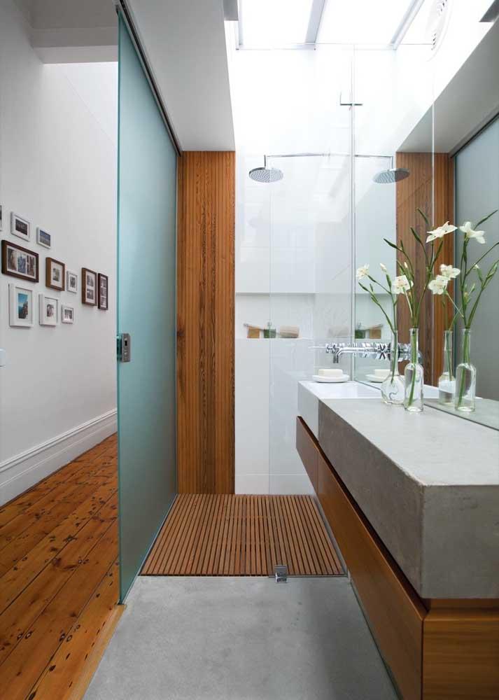 Banheiro decorado com cara de SPA