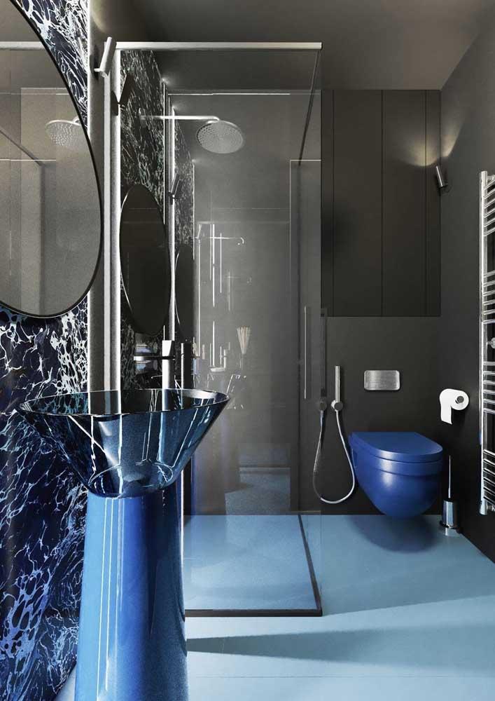 Já quem prefere algo futurista, esse banheiro decorado é uma inspiração