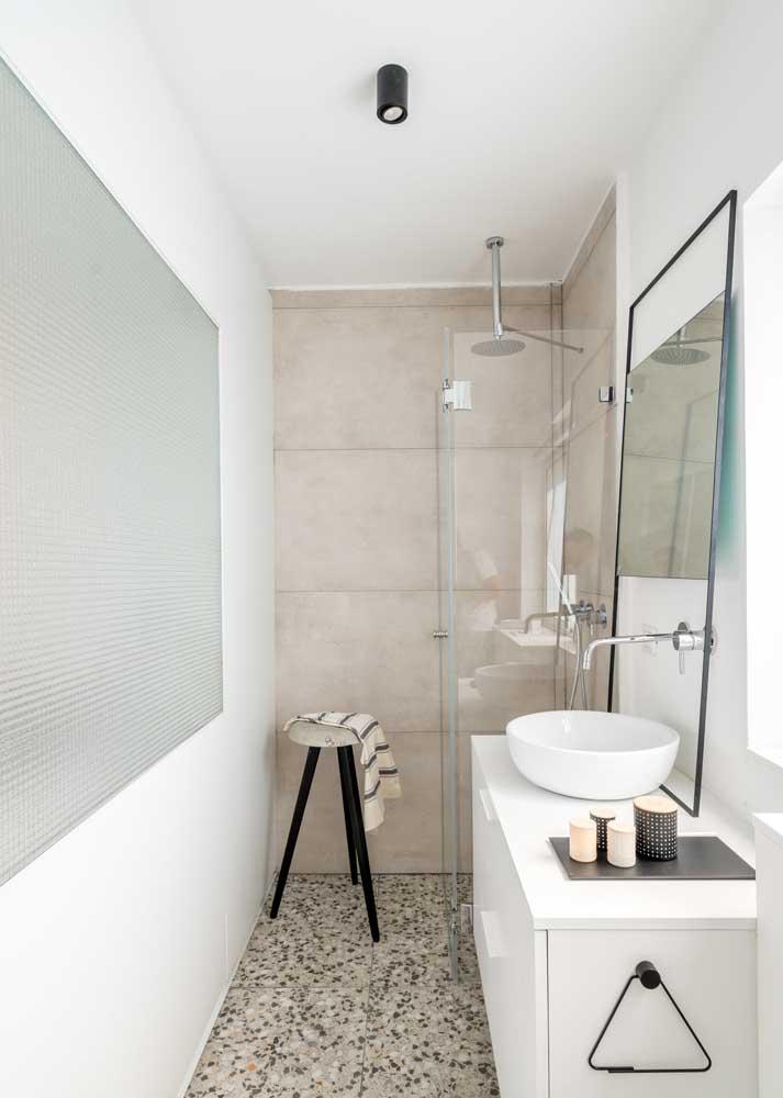Banheiro decorado pequeno e simples: tudo o que você precisa com graça e beleza