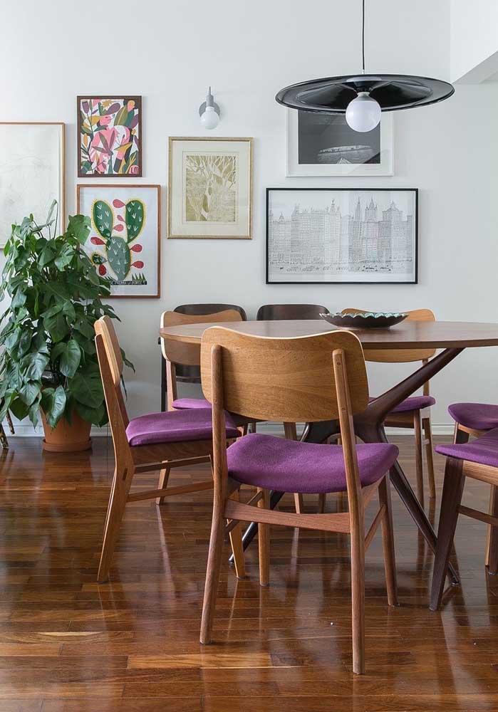 Quer um enfeite de mesa simples e bonito? Então aposte em uma bandeja