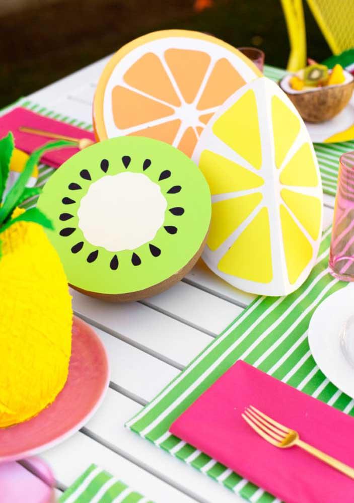 Frutas em 3D retratam o tema da festa
