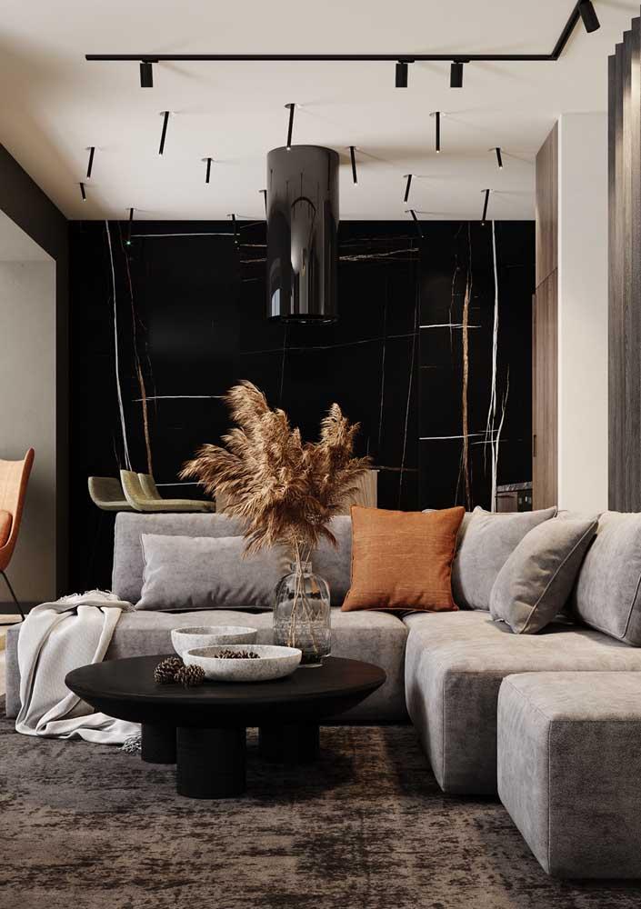 Enfeite de mesa rústico para contrastar com a decoração da sala