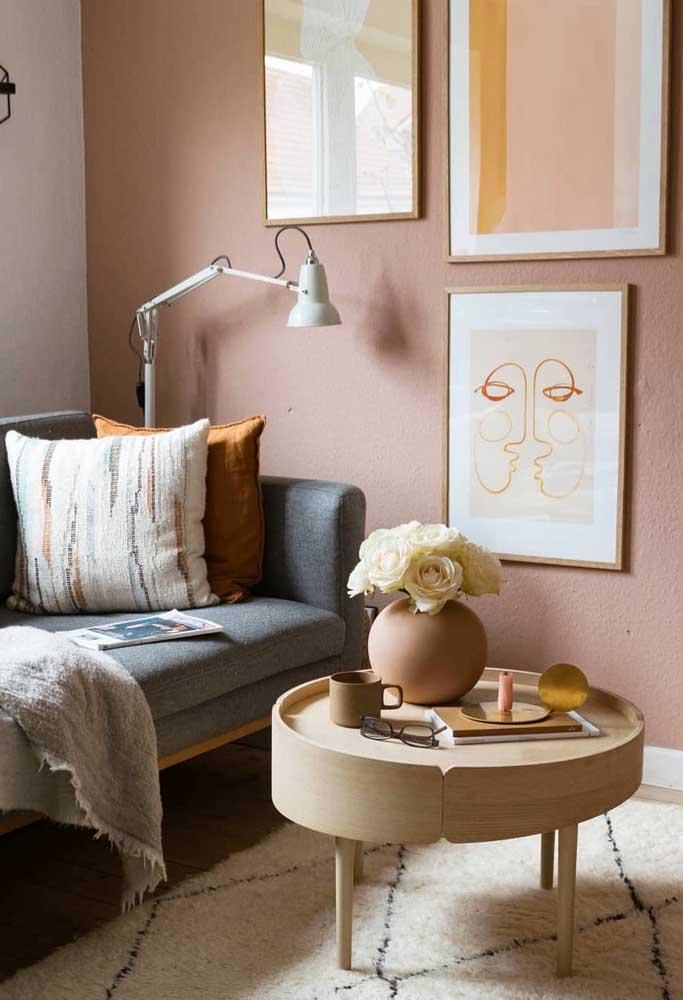 Já por aqui, a graça mora na composição de quadros Tumblr com fundo da mesma cor da parede