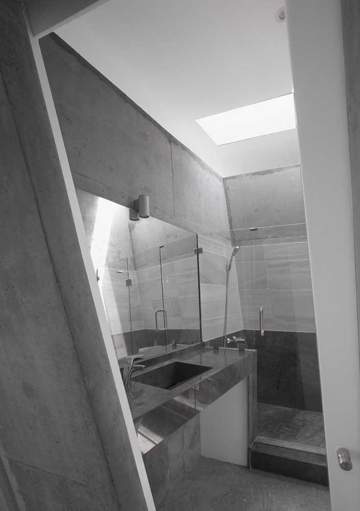 O cimento queimado é uma opção econômica de transformar o banheiro