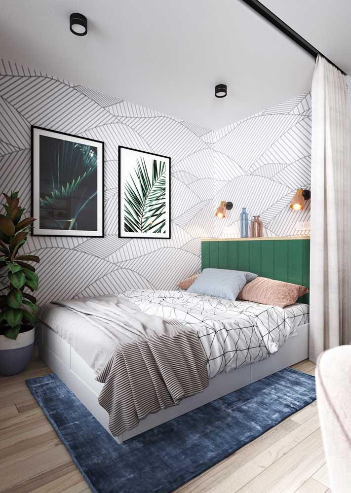 Decoração de quarto de casal com papel de parede: opção simples e barata de mudar o visual do quarto