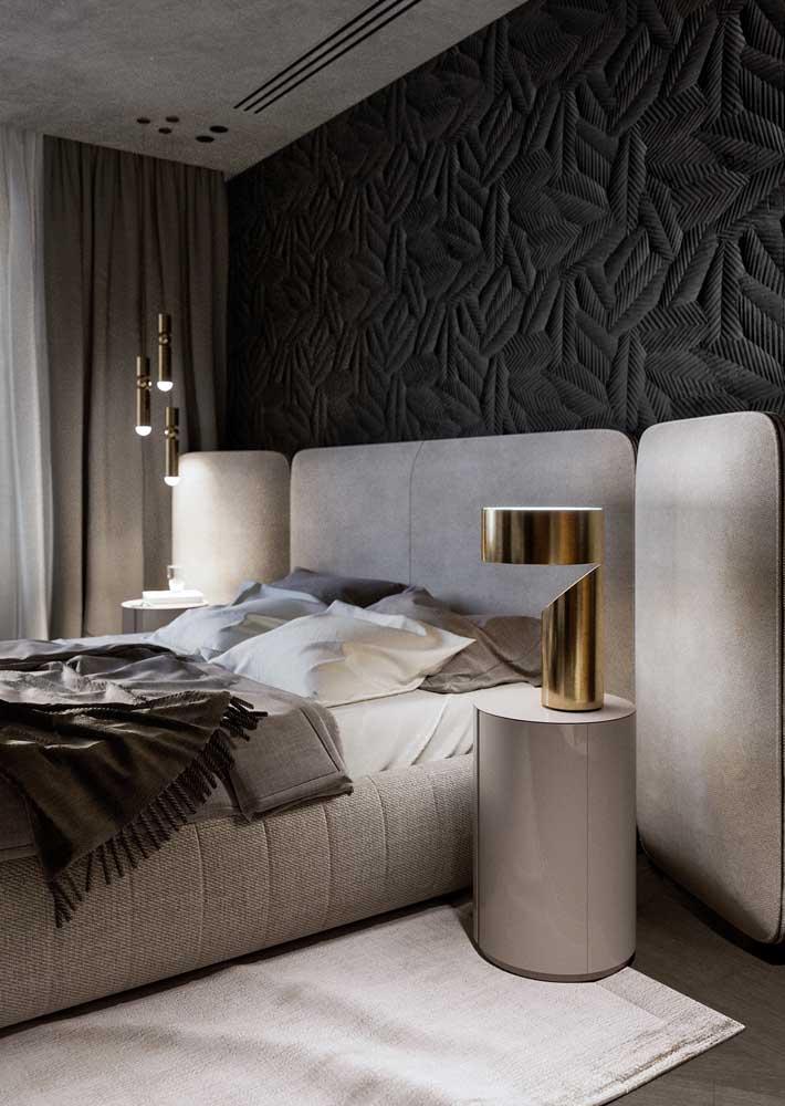 Decoração de quarto de casal clássico e sofisticado. O conforto é prioridade por aqui