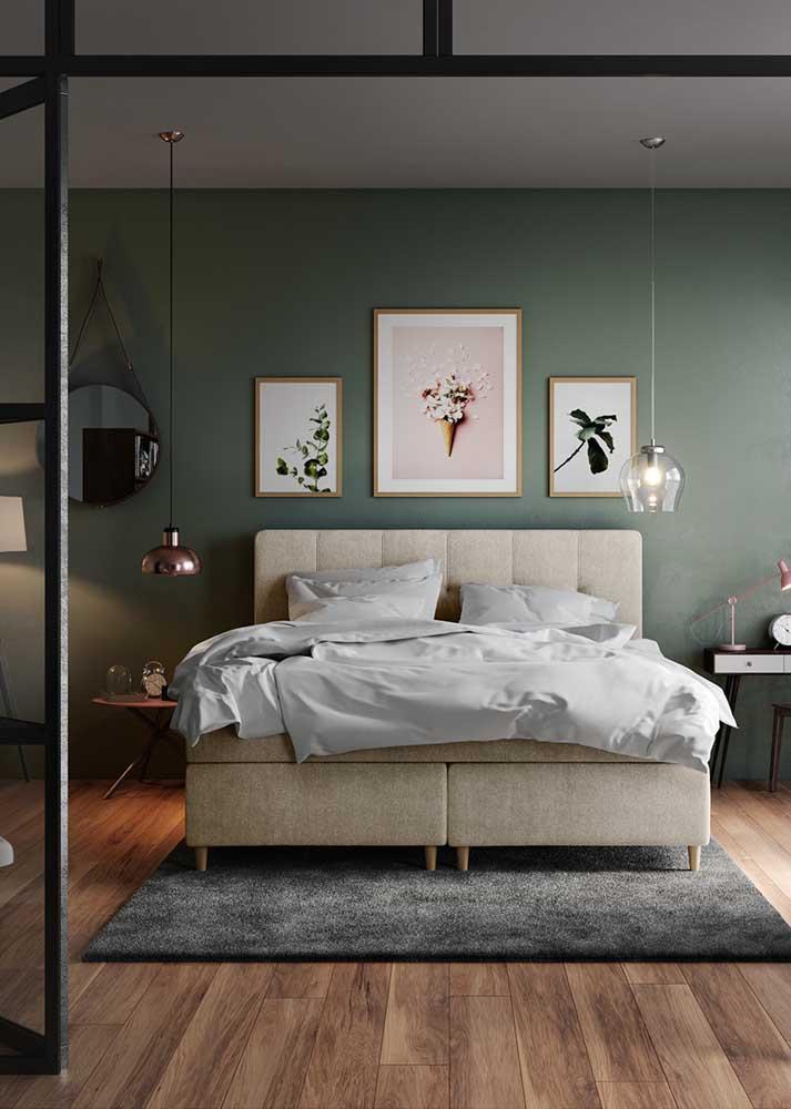 A simetria nem sempre é necessária. Repare que nesse quarto, as luminárias e as mesas de cabeceira são diferentes