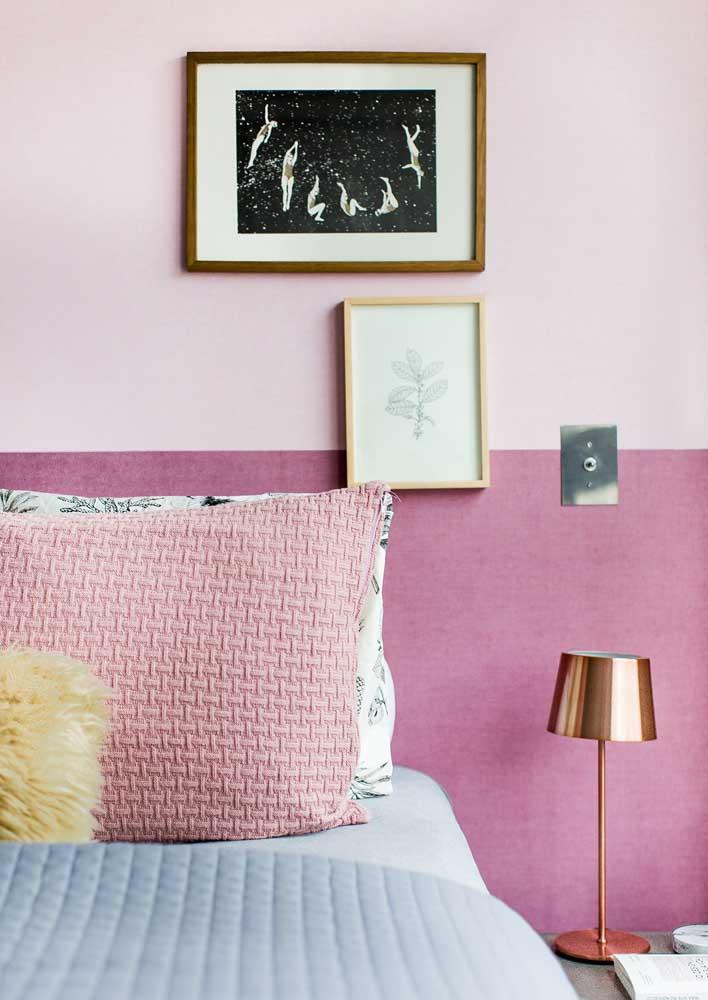 E na parede da cabeceira a dica é fazer uma meia parede em tons diferentes de rosa