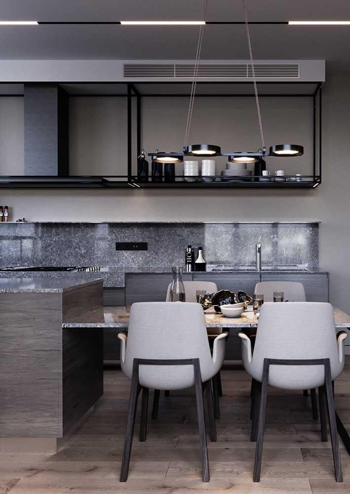 Luz direta e difusa para o projeto luminotécnico dessa cozinha