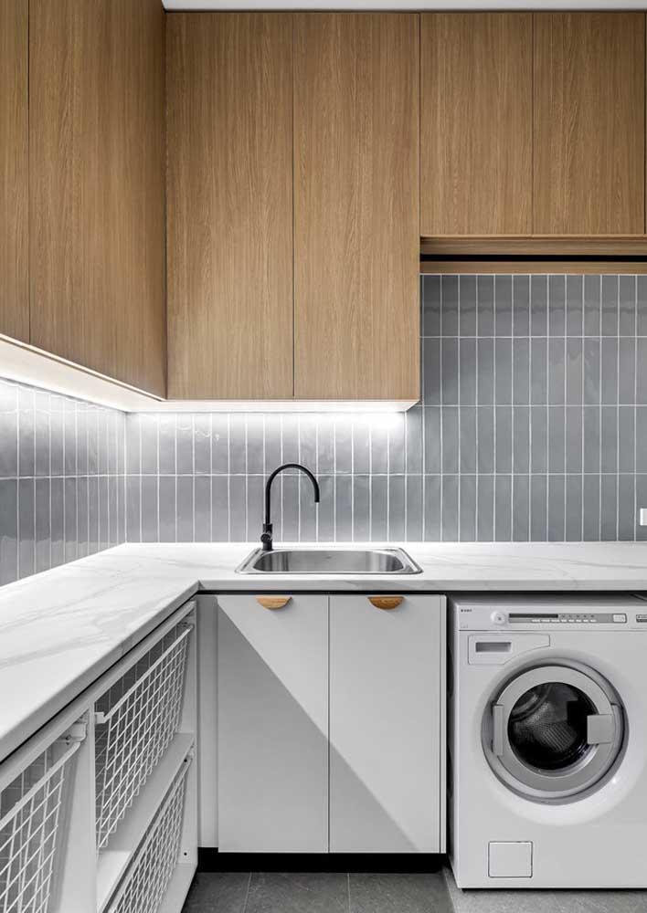 Luzes frias para auxiliar as atividades na bancada da cozinha