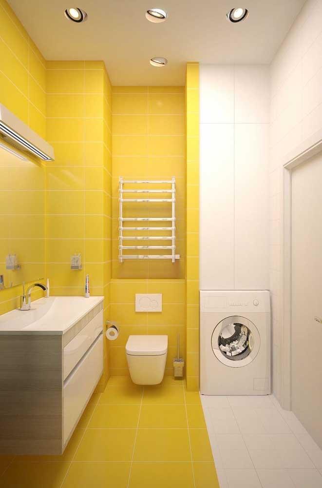 Azulejos amarelos e brancos para um banheiro conceitual, alegre e moderno